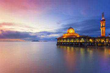 AL HUSSAIN MOSQUE Kuala Perlis is a Floating Mosque