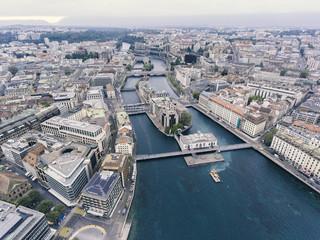 Drohnenaufnahme von Genf