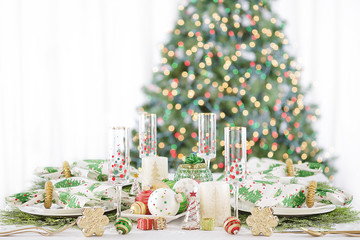 Christmas Dinner Table Setting Polka Dot Green White Ornaments