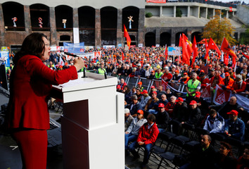 Thyssenkrupp steel workers hold protest rally in Bochum