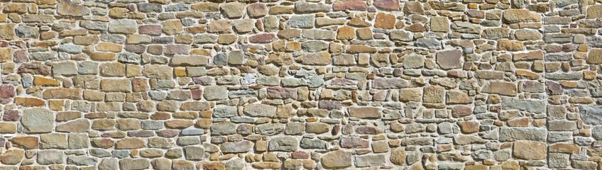 alte Natursteinmauer