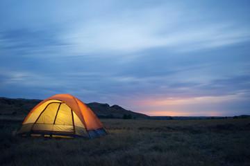 Tuinposter Noorderlicht Camping alone in the wilderness