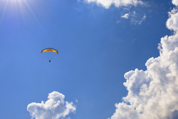 Photo sur Toile Aerien Skydiver in the clouds