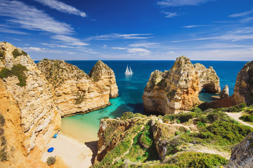 Beautiful bay near Lagos town, Algarve region, Portugal Fototapete