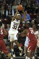 NCAA Basketball: Arkansas at Mississippi State