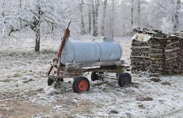 Tankwagen im Eis