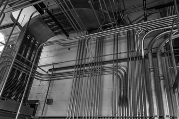 Control conduit and cable bus