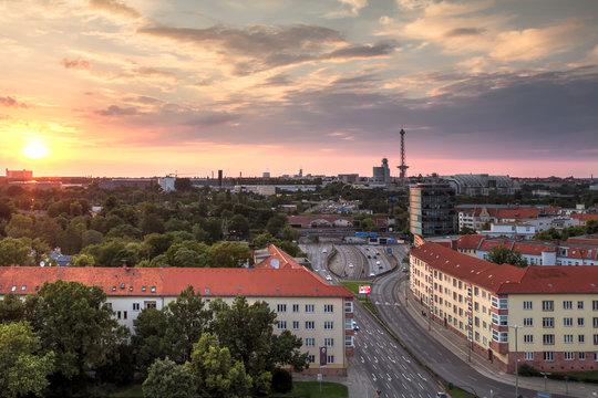 Sonnenuntergang über der Stadt Berlin