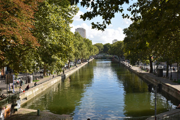 Canal Saint Martin en été à Paris, France