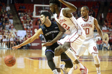 NCAA Basketball: Central Arkansas at Oklahoma