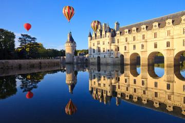 Keuken foto achterwand Kasteel Montgolfières au-dessus de Chenonceau, château de la Loire