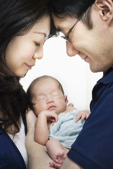 Asian parents love a newborn baby