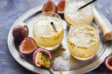 Passion fruit virgin caipirinha