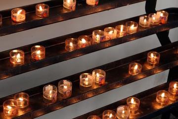 Kerzen im Kreuzgang des Bonner Münster