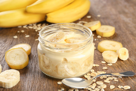 Delicious banana pudding on table