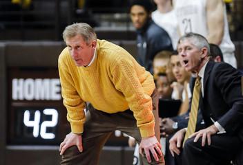 NCAA Basketball: Nebraska Omaha at Wyoming