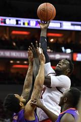 NCAA Basketball: Evansville at Louisville