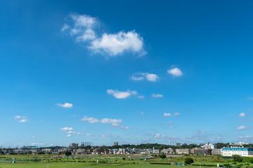 東京郊外の青空と白い雲2
