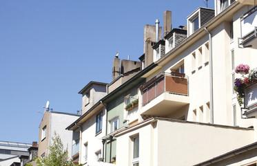 Wohnhaus, Fenster, Balkone