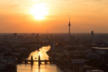 Guten Abend Berlin Sonnenuntergang über der Spree