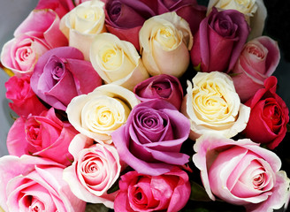 Fototapete - Bouquet of colorful roses flower background