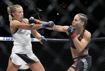 MMA: UFC 205-Carmouche vs Chookagian