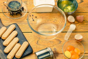 Photo savoyardi cookies on cutting board