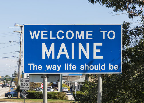 state sign maine at the highway
