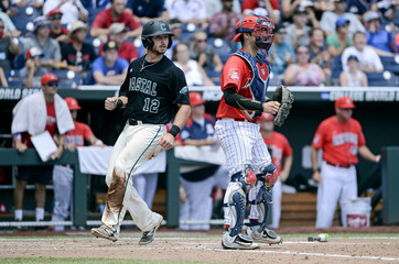 NCAA Baseball: College World Series-Arizona vs Coastal Carolina
