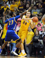 NCAA Basketball: UMKC at Minnesota