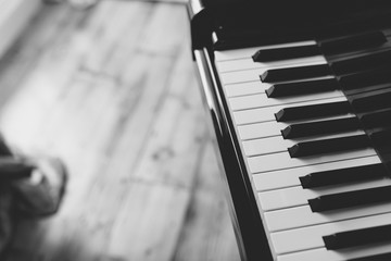 Black and White Piano Instrument Background