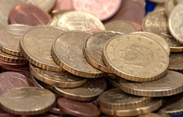 Euromünzen - Symbolfoto für Finanzen und Business