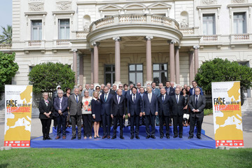 Family photo of the participants who attend the Euro-Mediterranean conference of cities on the prevention of radicalisation and for the fight against terrorism in Nice