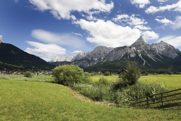 Sonnenspitze Mountain, Karwendel Mountains, Mieminger Chain near Ehrwald, Tyrol, Austria, Europe