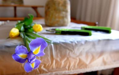 People make ikebana
