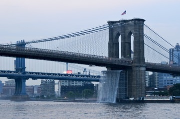 Brooklyn Bridge - Waterfalls - NYC