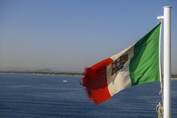 sventola la bandiera sulla Plaia catanese