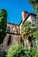 Dans le cloître Saint-Salvi à Albi