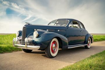 Oldtimer Cadillac Lasalle Coupe 1940, Nahaufnahme Wall mural