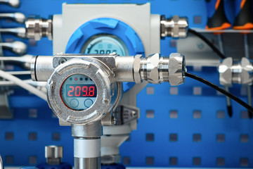 Electronic manometers. Modern instruments for measuring pressure.