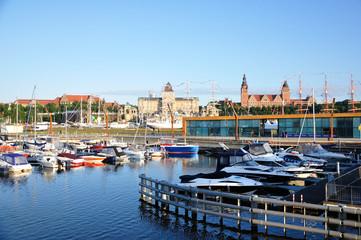 Szczecin - widok z Łasztowni na Wały Chrobrego podczas The Tall Ships Races