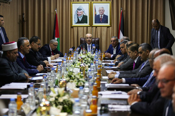 Palestinian Prime Minister Rami Hamdallah chairs a cabinet meeting in Gaza City