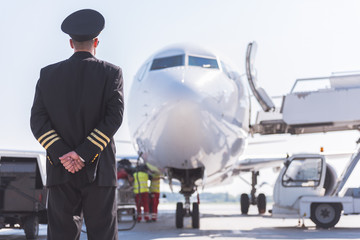 Airman locating afore big aircraft