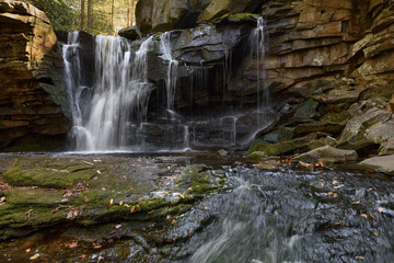 Fototapete - Mountain Waterfall in Autumn - West Virginia
