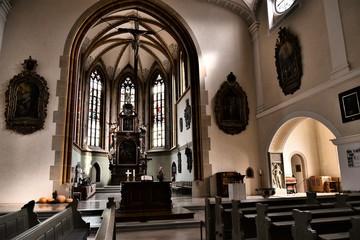 giengen an der brenz, stadtkirche, kirche, innenansicht, chorraum, gotik, fenster, altar, barock, sakralbau, alt, historisch, geschichte, architektur, christentum, religion, bogen, bauwerk, glas, arka
