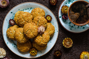 Anzac cookies with oatmeal and coconut shavings from Jamie Oliver