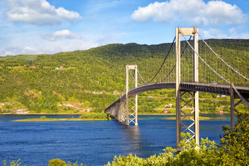 Fotomurales - Tjelsundbrua bridge connecting Norway mainland and Lofoten Islands