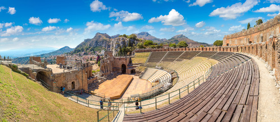 Wall Mural - Ancient Greek theater in Taormina, Sicily