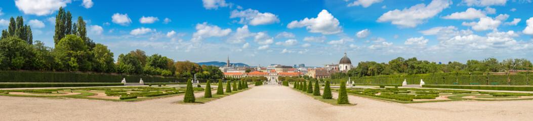 Fototapete - Belvedere garden in Vienna, Austria