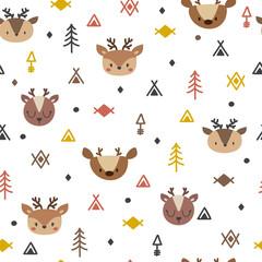 Modèle sans couture tribal avec des cerfs de dessin animé. Impression d& 39 art géométrique abstrait. Origine ethnique dessinée à la main avec des animaux mignons